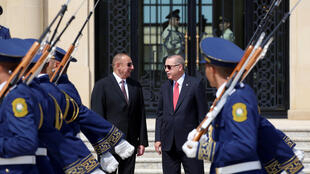 اردوغان قبل از عزیمت به روسیه، در آذربایجان با الهام علیاف دیدار داشت