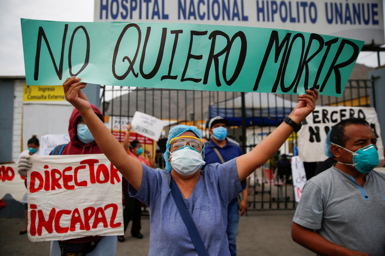 2020-05-04T000000Z_1016867165_RC2VHG9317R9_RTRMADP_3_HEALTH-CORONAVIRUS-PERU-CASES