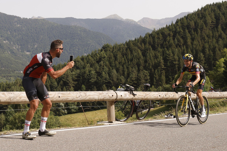 Пятнадцатый этап «Тур де Франс» Сере — Андорра-ла-Велла 11 июля 2021. Победитель этапа — американец Сепп Кусс.