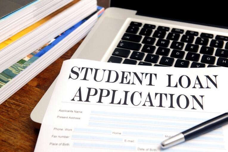 Formulaire de demande de prêt étudiant.