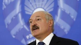 Президент Беларуси Александр Лукашенко в целом одобрил новую военную доктрину.