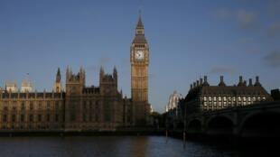 Os britânicos votam hoje nas eleições legislativas da Grã-Bretanha.