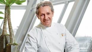 米其林星级厨师诺米科斯(Jean-Louis Nomicos)