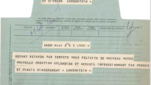 """Los telegramas ya habían abandonado su característico color azul, que le habían valido el apodo de """"petit bleu"""" (azulito)."""