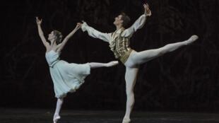 Mélanie Hurel et Hugo Marchand dans «Casse-Noisette» à l'Opéra national de Paris, Bastille.