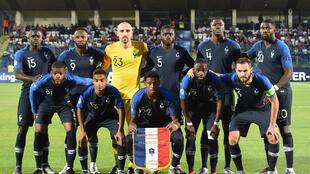 L'équipe de France Espoirs pose pour une photo officielle avant un match de l'Euro 2019 contre la Croatie, le 21 juin 2019 au stade olympique de Serravalle à Saint-Marin