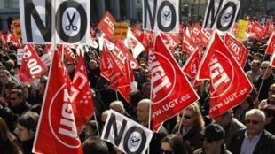 """Europa examinará el  presupuesto 2012 que presenta España el viernes 30 de marzo con el objetivo de """"evaluar  detalladamente"""" las medidas fiscales de austeridad previstas en el presupuesto español."""
