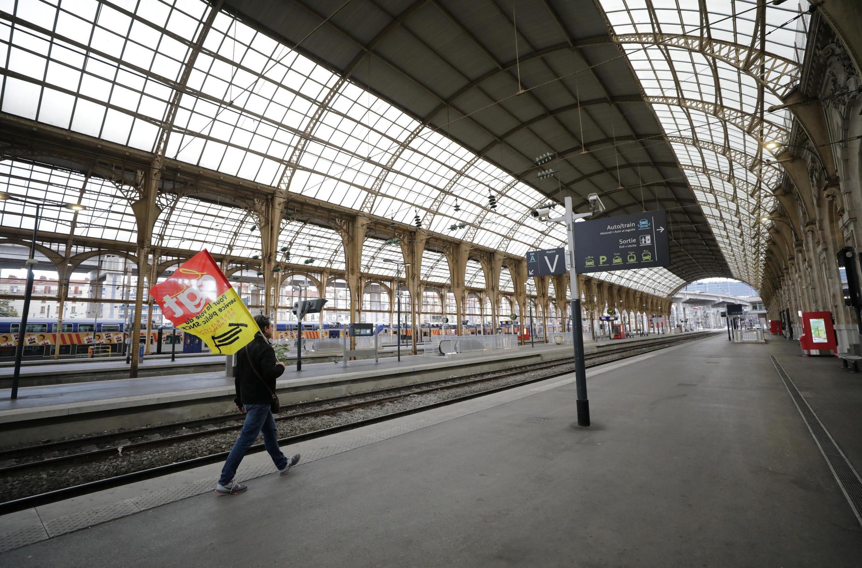 Bến ga xe lửa thành phố Nice trong ngày đình công thứ hai 06/12/2019.