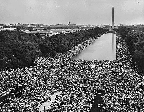 Cuộc tập hợp trước đài tưởng niệm Lincoln 28/08/1963 © National Archives and Records Administration