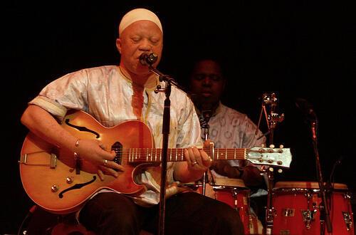 Salif Keita en el 'African Soul Rebels Tour 2008'.