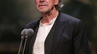 O dramatrugo austríaco Peder Handke, aqui a 17 de Novembro de 2018 em Viena, acaba de ser galardoado com o Prémio Nobel da Literatura de 2019.