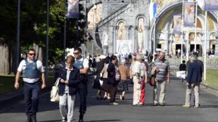 Segurança reforçada no Santuário de Lourdes, no sudoeste da França.