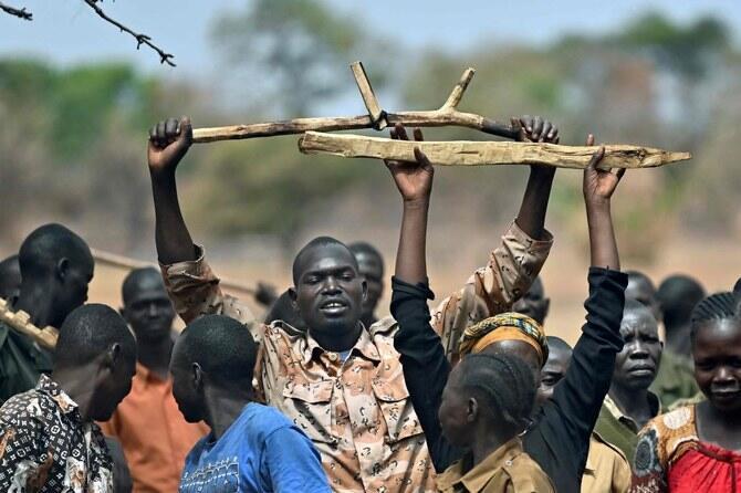 Wasu daga cikinkabilun  Sudan ta kudu dauke da makamai