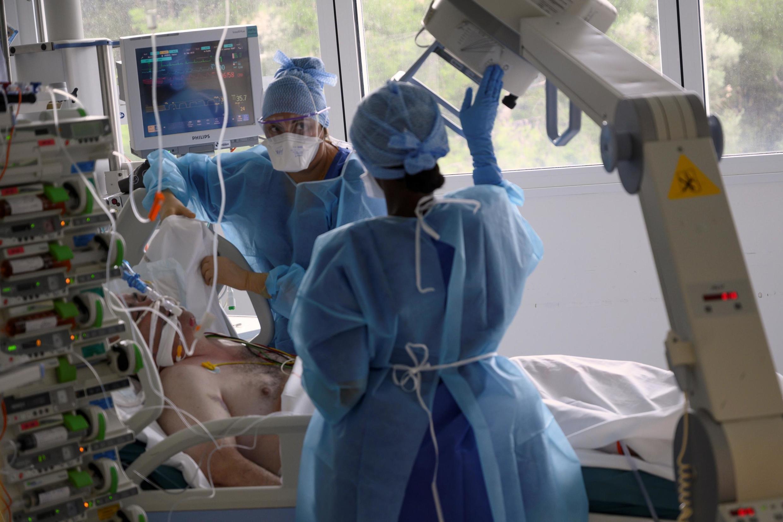 Ảnh minh họa : tại một cơ sở điều trị bệnh nhân Covid-19 ở Pháp.