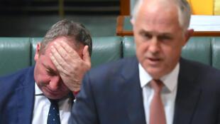 Le vice-Premier ministre australien Barnaby Joyce, le 24 octobre dernier au Parlement de Canberra, deux pas derrière le chef du gouvernement Malcolm Turnbull.