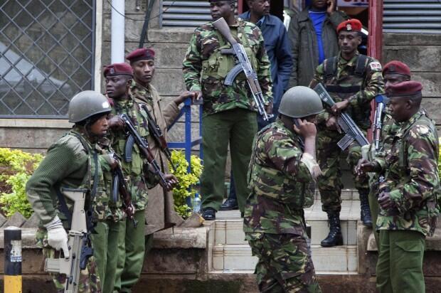 Wanajeshi wa Kenya wakiwa katika harakati za kuhakikisha ulinzi katia maeneo yote ya jengo la kibiashara la Westgate