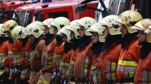Segundo Bernard Cazeneuve, ministro francês dos Assuntos Europeus, a França mobiliza todos os seus meios para ajudar a controlar o fogo na Catalunha.