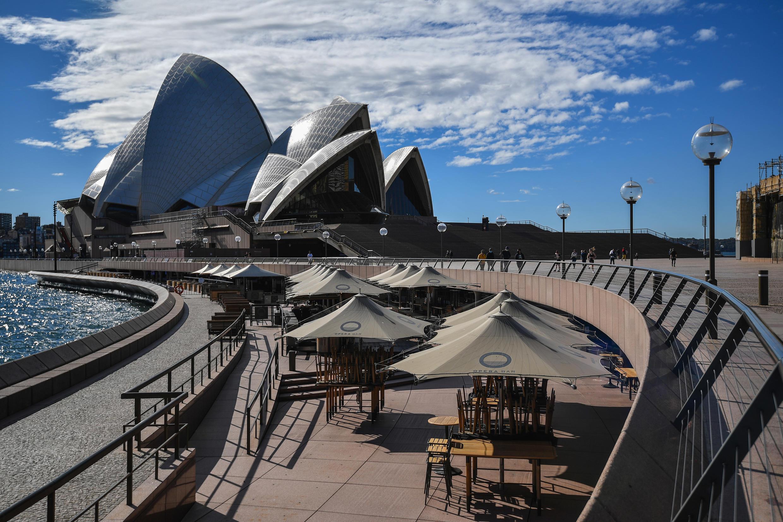 Bắt đầu từ hôm 26/06/2021, Sydney, thành phố lớn nhất Úc, bị tái phong tỏa 15 ngày vì biến thể Delta.