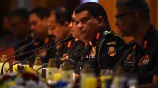 L'ONU a décidé de suspendre l'ensemble de son contingent de soldats de la paix sri-lankais suite à la nomination de Shavendra Silva au poste de chef des armées accusé de crimes de guerre en 2009.