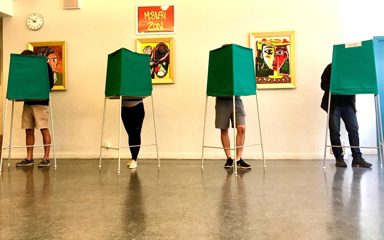 Stockholm, le 9 septembre: il y a une forte affluence dans les bureaux de vote, a constaté notre envoyée spéciale dans la capitale, pour ces élections législatives qui pourraient bouleverser le paysage politique suédois.
