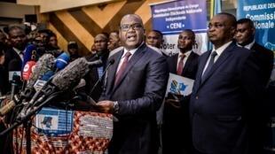 Raisi wa Tume ya uchaguzi DRC Céni, Corneille Nangaa,akizungumza na vyombo vya habari jijini Kinshasa 20 décembre 2018.