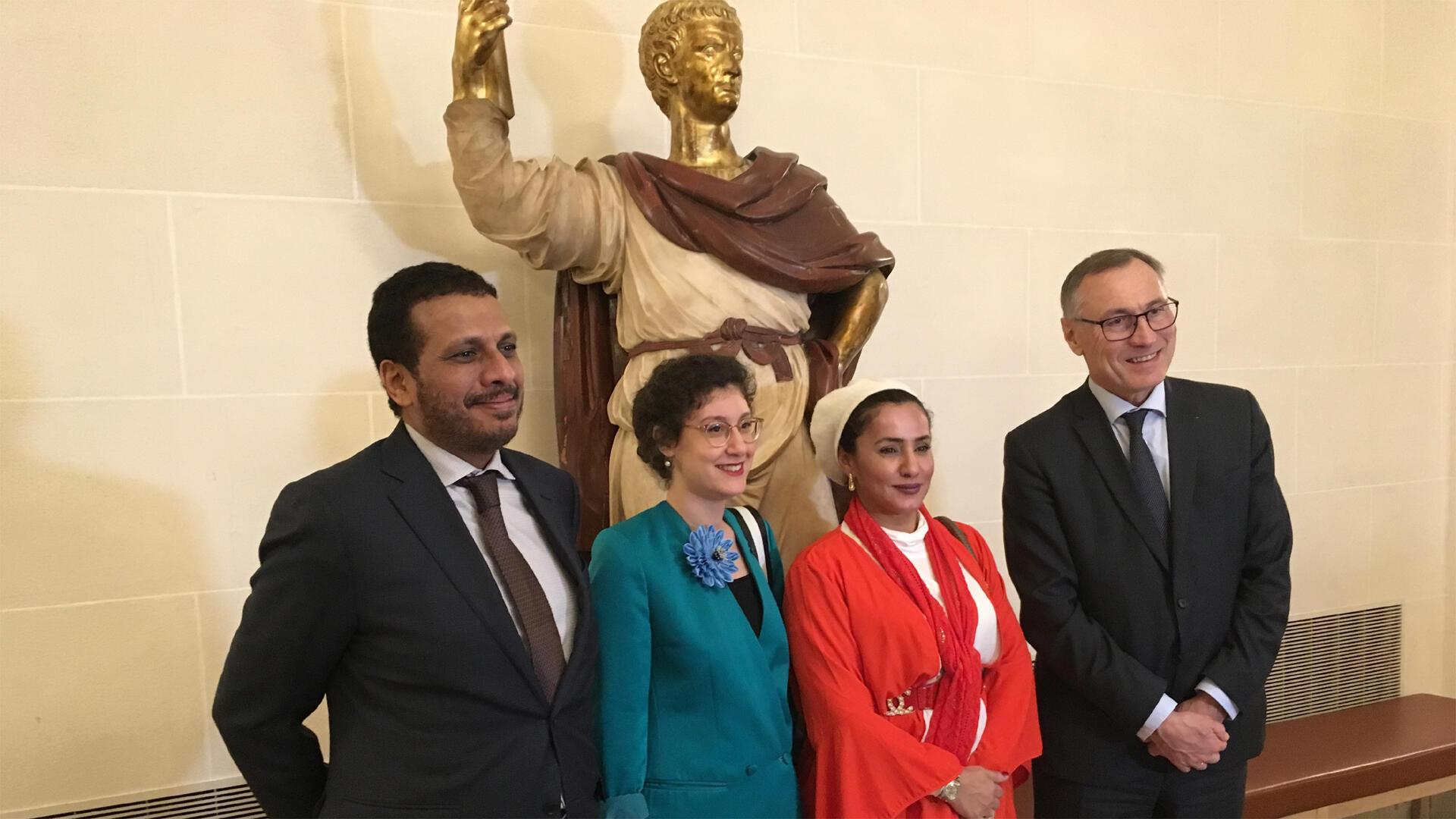 L'ambassadeur d'Oman, Yara El Ghafri, Mona Al Baiti et Jean-Marie Bockel.
