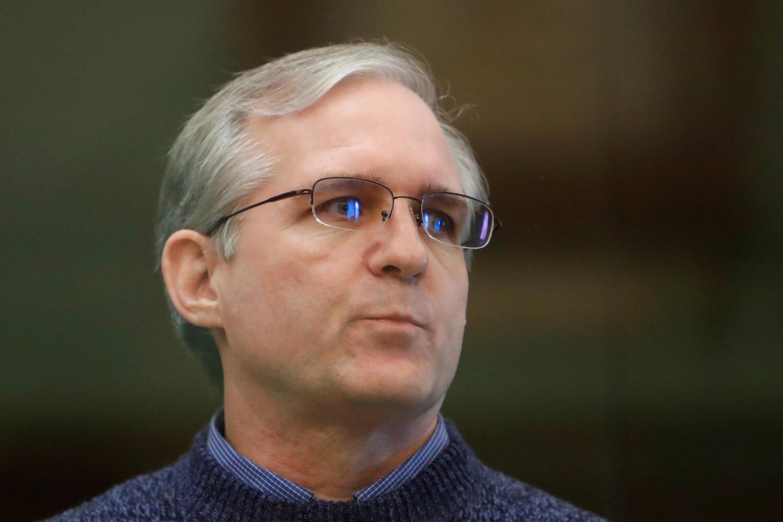 Paul Whelan escucha el fallo de su juicio, el 15 de junio de 2020 en Moscú.