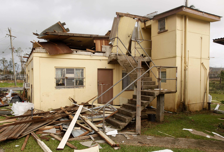 O ciclone de categoria 5 e força máxima, considerado um dos maiores a atingir a Austrália, destruiu casas mas só deixou feridos leves.