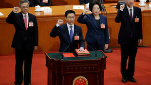 新当选副总理韩正、胡春华、刘鹤、孙春兰宣誓就职  2018年3月19日