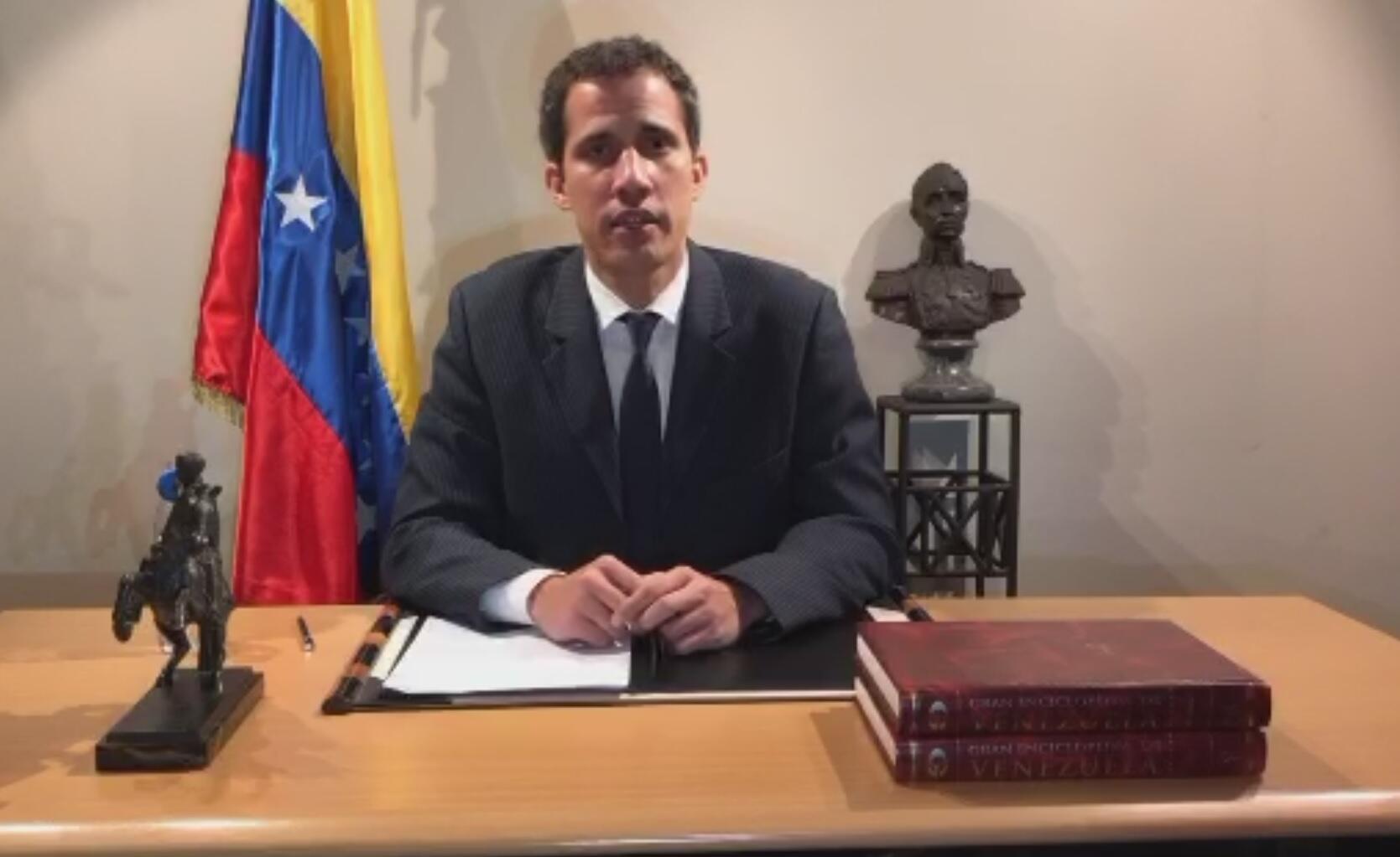 Le président du Parlement vénézuélien et président autoproclamé, Juan Guaido, s'est exprimé dimanche soir en direct sur Twitter.