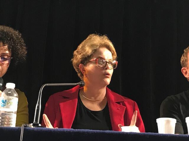 La ex presidenta de Brasil, Dilma Rousseff, en la Universidad de la Sorbona en París, el 17 de septiembre de 2019.
