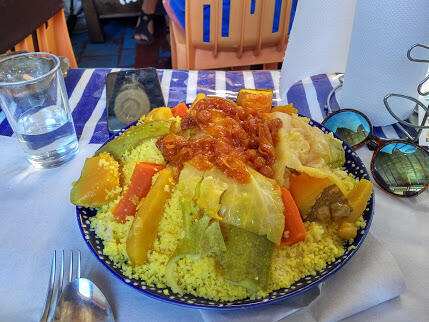 Couscous de verduras, una de las especialidades de la región.