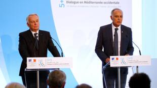 Le ministre français des Affaires étrangères Jean-Marc Ayrault et son homologue marocain Salaheddine Mezouar coprésidaient la réunion du groupe 5+5 à Marseille, vendredi 28 octobre 2016.