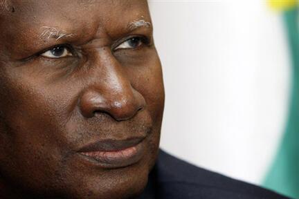 Dans son ouvrage, Abdou Diouf revient sur son parcours depuis l'enfance, sur ses différentes fonctions politiques, et sur l'alternance de mars 2000.