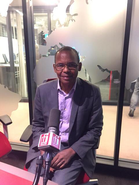 L'écrivain guinéen Tierno Monénembo, lauréat du Grand Prix de la Francophonie 2017 de l'Académie française, ici dans le studio de RFI.