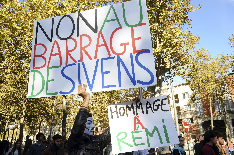 Environ 1000 manifestants ont défilé, le 27 octobre 2014, dans les rues d'Albi.