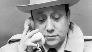 Jean-Pierre Melville, dans son bureau à Paris, le 3 novembre 1971.