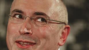 Mikhail Khodorkovsky, durante entrevista coletiva em Berlim, neste domingo, 22 de dezembro.