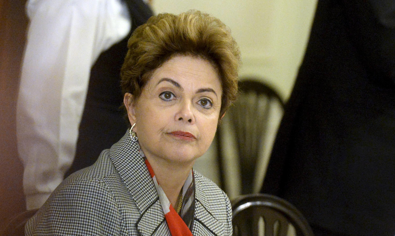 La présidente brésilienne, Dilma Roussef, le 20 octobre 2015 lors d'un voyage à Helsink, en Finlande.