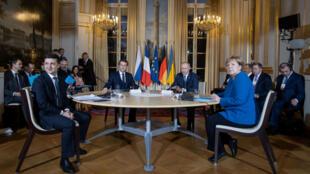 俄烏與法德領導人共同出席4國峰會。