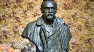 Un buste en bronze d'Alfred Nobel dans la Maison des concerts de Stockholm, en Suède, le 10 décembre 2019.