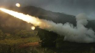 Учебные стрельбы 210 бригады пехотинцев США в 77 км от Сеула 13/09/2012