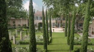خانهای که خانواده اوباما برای گذراندن تعطیلات، به مدت یک هفته در شهر  Villeneuve-lès-Avignon در جنوب فرانسه اجاره کردهاند.