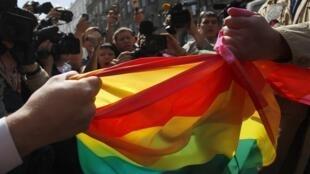 Москва, 27 мая, 2012, разгон пикета активистов ЛГБТ - движения