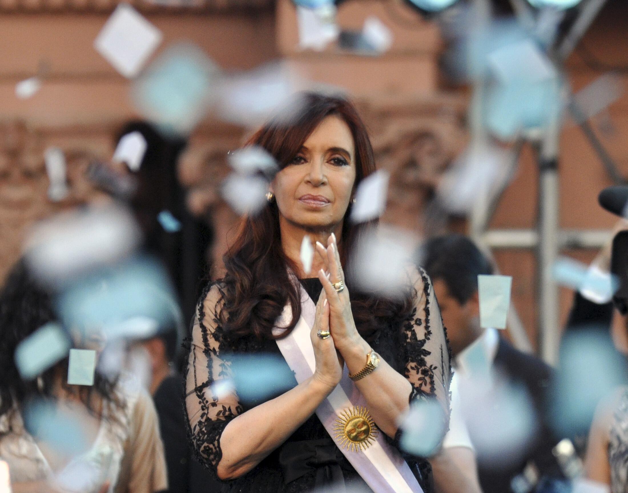 Aliyekuwa rais wa Argentina Cristina Fernandez de Kirchner atakiwa kufikishwa mahakamani.