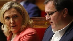 Marine Le Pen et Louis Aliot à l'Assemblée nationale, le 14 janvier 2020.