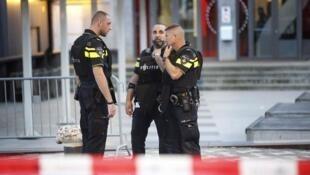 恐袭威胁警告后,荷兰警方取消一场音乐会   (2017年8月23日)
