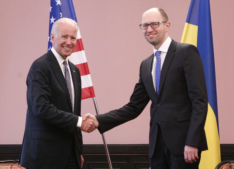 Вице-президент США Джо Байден и премьер-министр Украины Арсений Яценюк. Киев 22 апреля, 2014