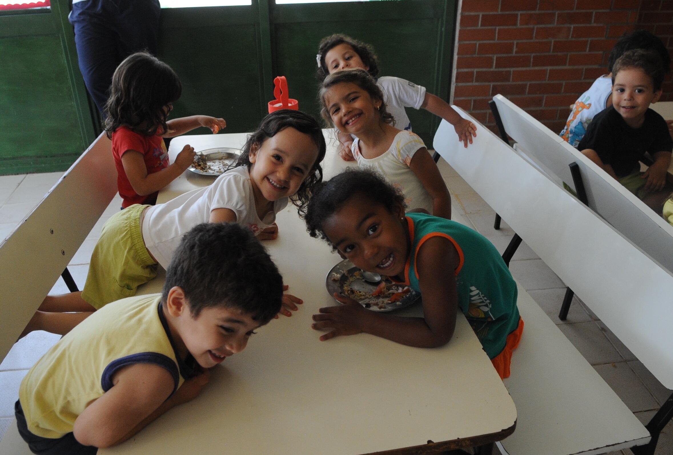 Crianças do Centro de Educação  Infantil, Brasília, Distrito Federal.