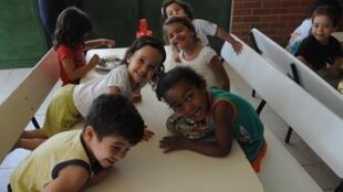 Crianças do Centro de Educação  Infantil, em Brasília: educação impulsionou resultado brasileiro